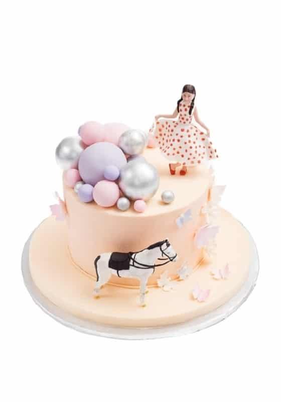 Торт с Девушкой и Лошадкой