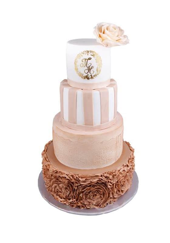 Свадебный торт с Инициалами и розой