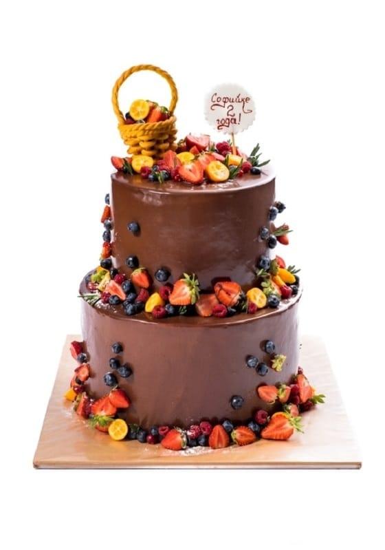 Торт Шоколадный с фруктами
